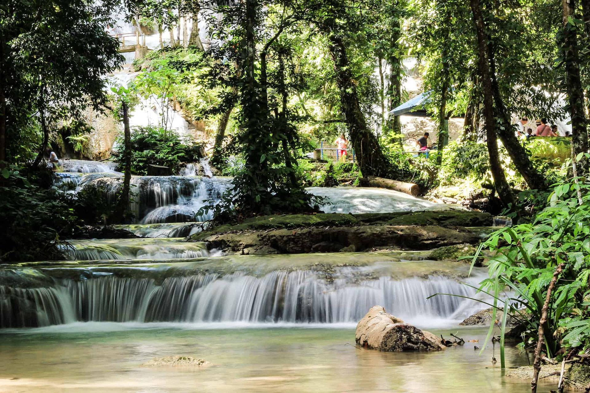 Saulopo waterfall - Ruth Onduko, Creative Commons BY-SA 2.0