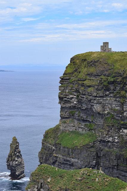 cliff-2539631_640