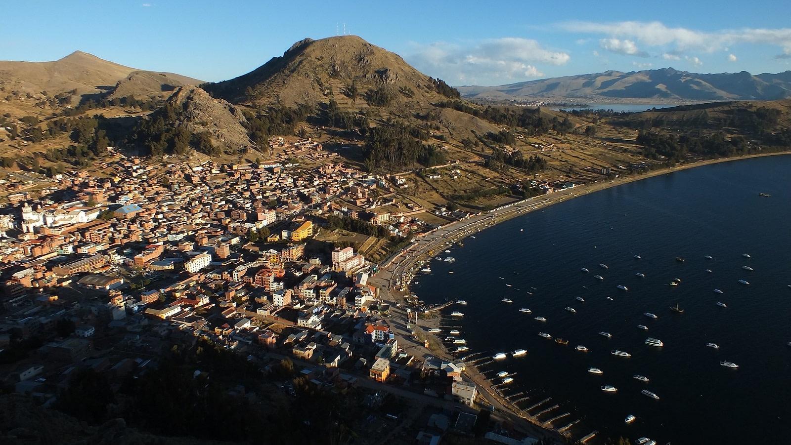 copacabana bolivia titicaca